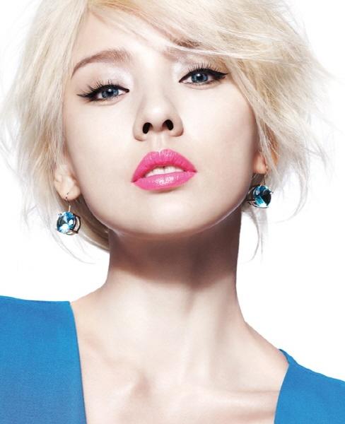 Lee Hyori- world's most beautiful lips (2011)