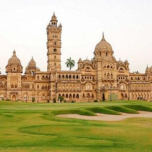 princely-india-laxmi-vilas-palace