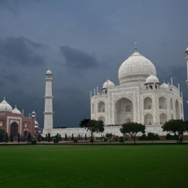 Taj-Mahal-Amazing-Beauty-Color-Streak