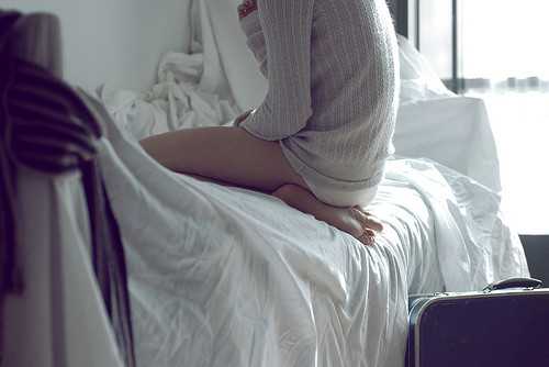 lonely,sleepalone,girl,photo,bed,legs-f28738fe8fe4d42ec4e82e358ed1b22c_h