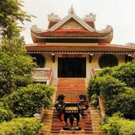 Vietnamese_Temple_Bodhgaya_qh054z